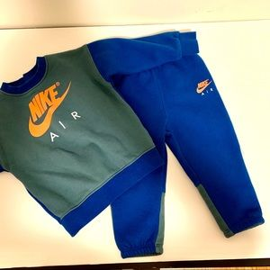 Nike Air sweatsuit size 18 months GUC